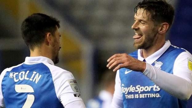 Blues score late to beat Huddersfield