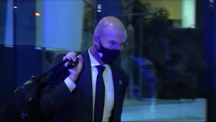 Real Madrid's sad return to the hotel following the Villarreal draw