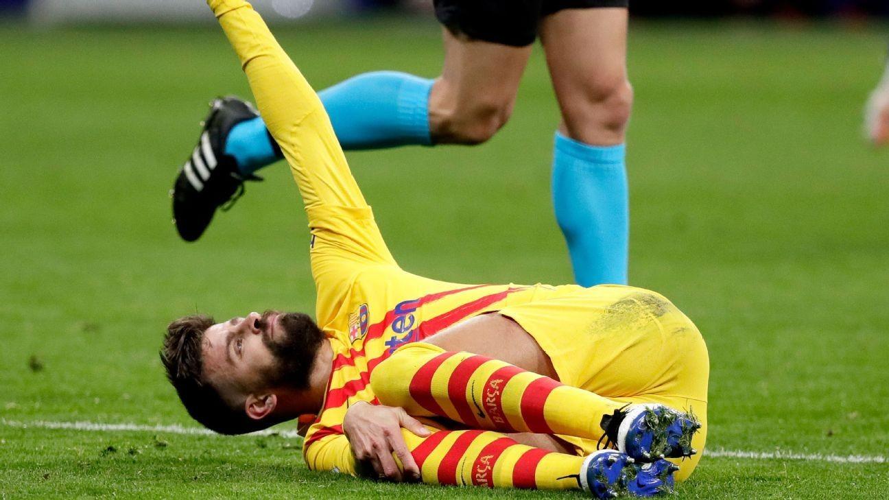 Barca's Pique, Roberto face lengthy spells out