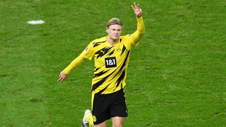 Lewandowski and Haaland duel for Bundesliga top goalscorer