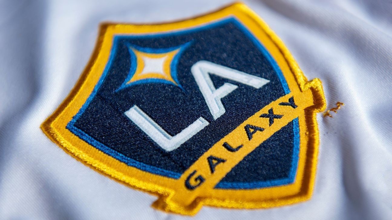 Sources: Mexico teen Alcala, 15, signs for Galaxy