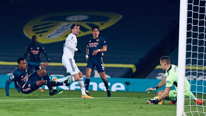 Leeds United 0-0 Arsenal: Pepe sent off as Gunners survive Leeds onslaught