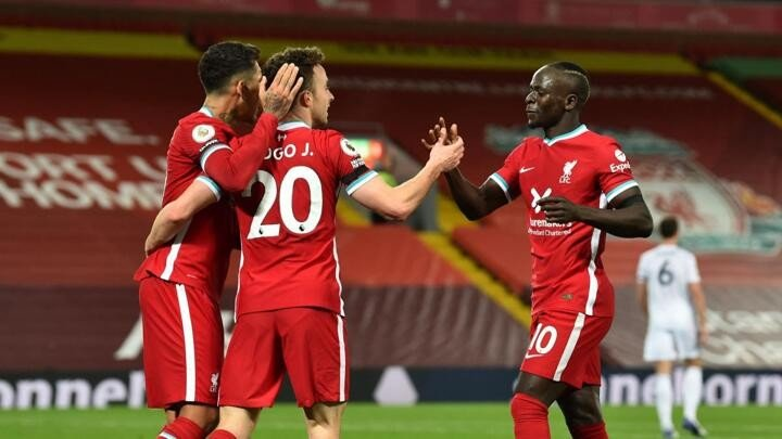 Liverpool set new Anfield unbeaten run record with Leicester City win