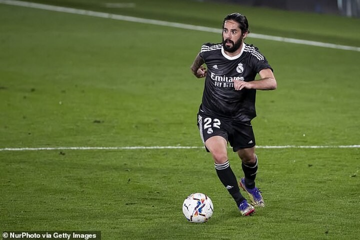 'We have no offers, but he wants to try another league': Isco's father on Real Madrid wantaway