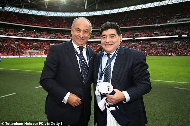 Ardiles reflects on how friend Maradona did keepy-uppies with a suit & new shoes