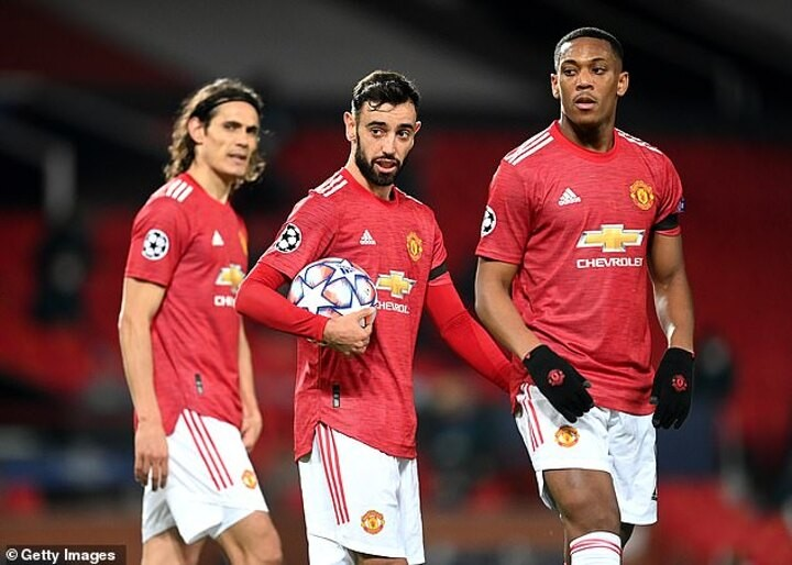 Manchester United being held to RANSOM by cyberhackers who STILL have control over their computers