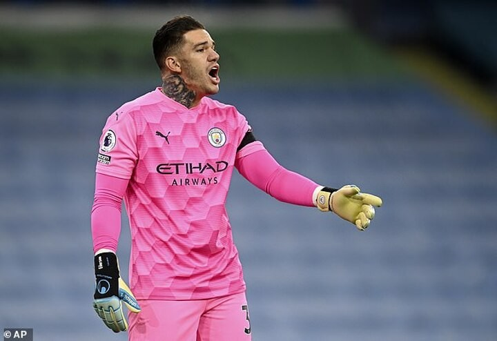 Man City Ederson calls for concussion substitutes after Raul Jimenez and David Luiz clashed heads