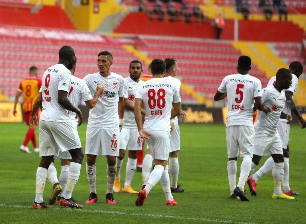 Isaac Cofie stars as Sivasspor rally to defeat Kwabena Owusu's Qarabag FK in Europa League