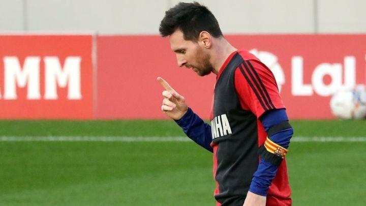 PSG still considering Messi signing