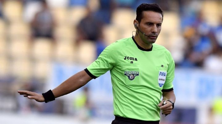 PSG vs Istanbul Basaksehir: Who is fourth official Sebastian Coltescu?