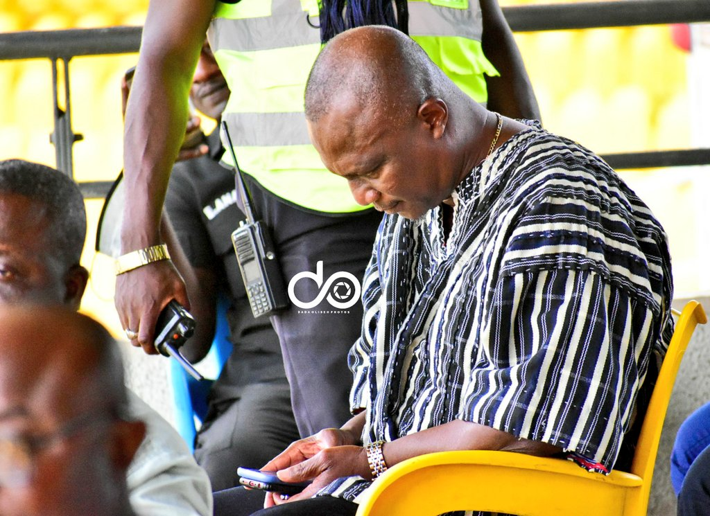 Ex-Black Stars coach Kwesi Appiah spotted watching Kotoko clash with Hilal after being linked with vacant job