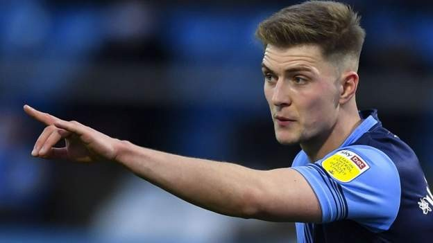 Leicester's Knight extends Wycombe stay