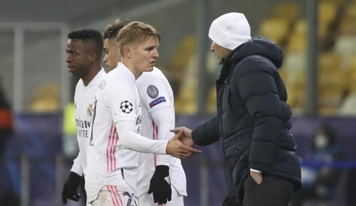 Zidane shuts the door on an Odegaard exit