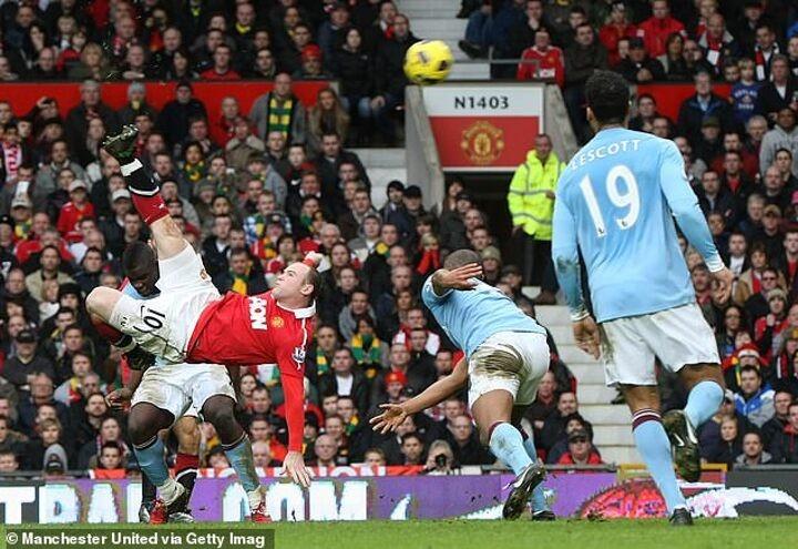 Rooney's derby wonder goal still baffles me, says former Man City back Richards