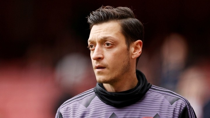 An end to Mesut Ozil's lucrative ordeal: Fenerbahce await