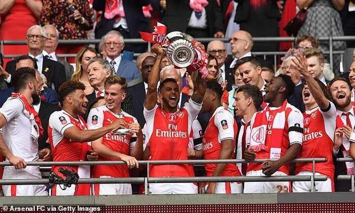 Walcott admits Arsenal were 'TOO NICE' during Wenger's later years