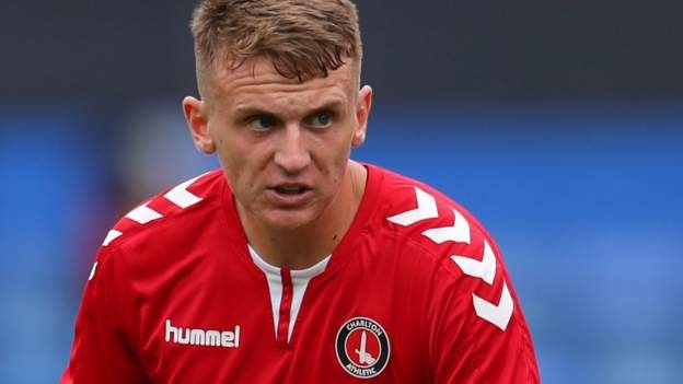 Stoke sign Charlton winger Doughty