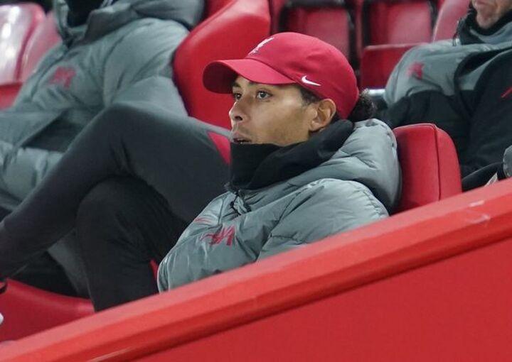 Virgil van Dijk's private conversation with team-mate confirms Man Utd transfer mistake