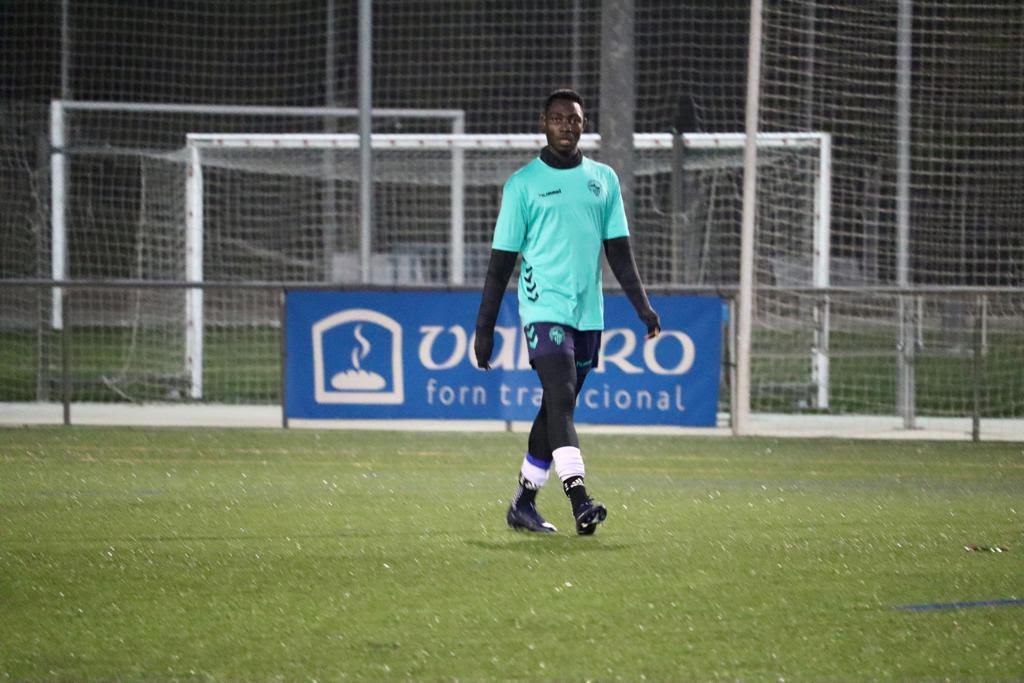 Ghanaian defender Rockshell Antwi joins Spanish club Sabadell FC