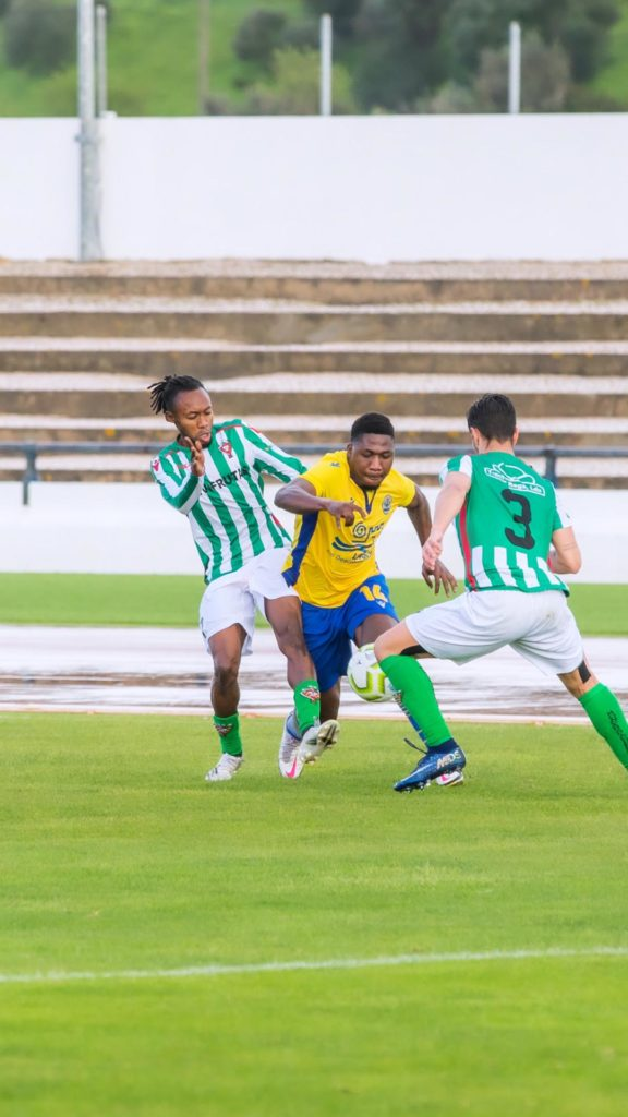 Ghanaian forward Henry Medarious shines as Esperanca Lagos draw in thrilling match against Moncarapachese