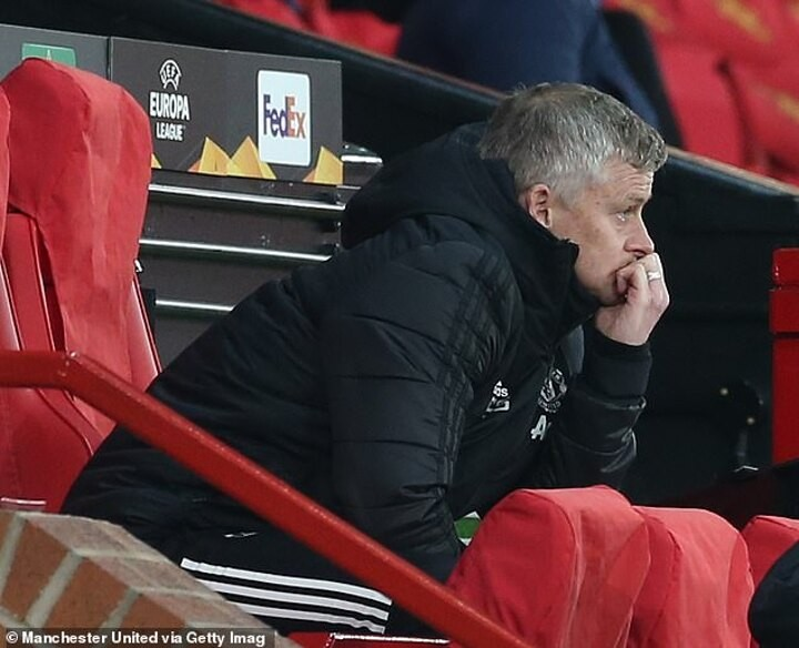 Paul Scholes claims Manchester United's recent lack of cup success 'hurts' Ole Gunnar Solskjaer