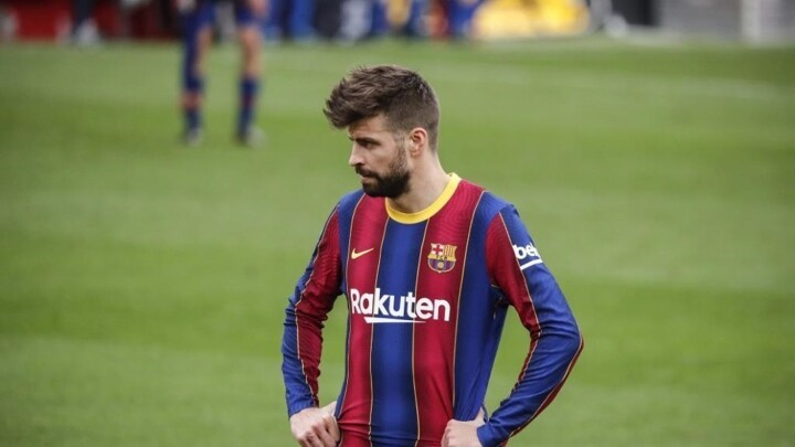 Pique: Barcelona are still alive in title race