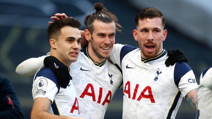 Bale delights Mourinho with double as Spurs beat Burnley