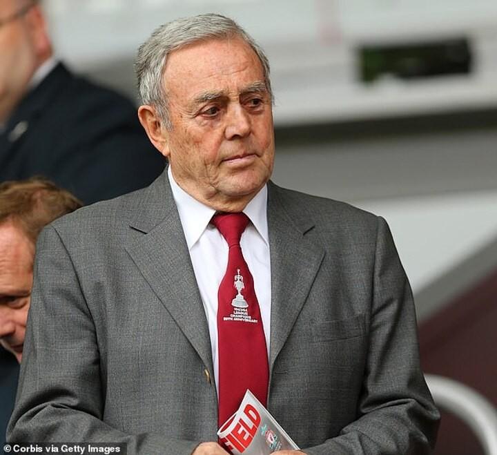 Liverpool legend and former Scotland striker Ian St John dies at 82