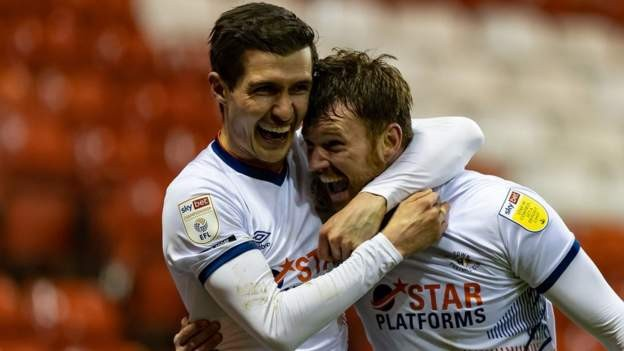 Tunnicliffe earns Luton win over Forest