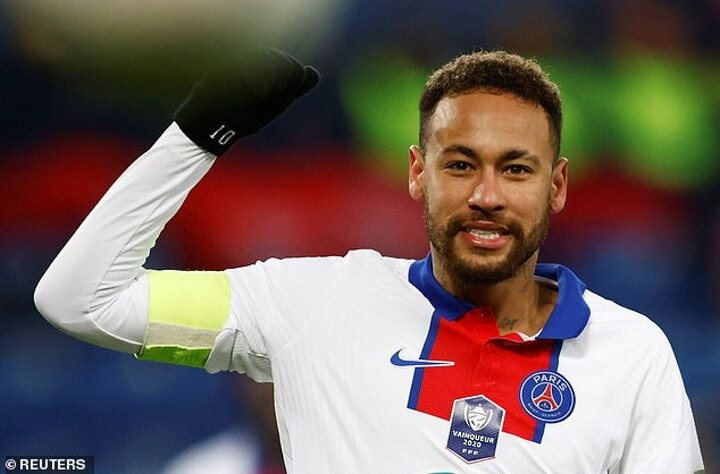 Neymar 'has returned to training on pitch' and could make comeback against Barca