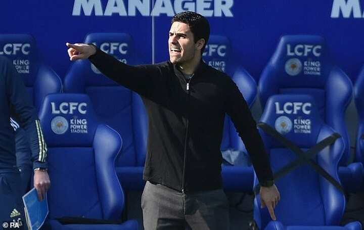 Arsenal: Arteta dismisses links to Barca and insists he's focused on Gunners