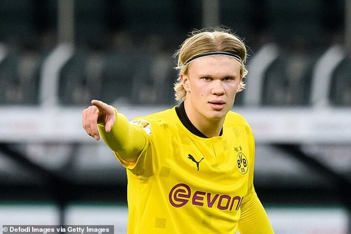 Chelsea 'have NO CHANCE of signing £100m Borussia Dortmund striker Haaland'