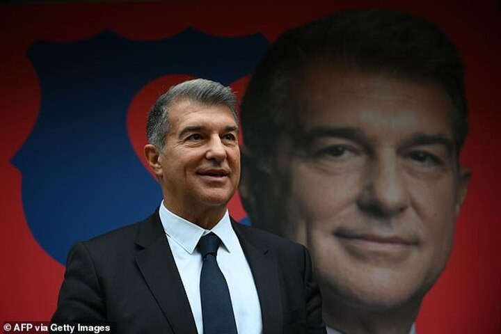Barca presidential candidate Joan Laporta names Aguero as statement signing