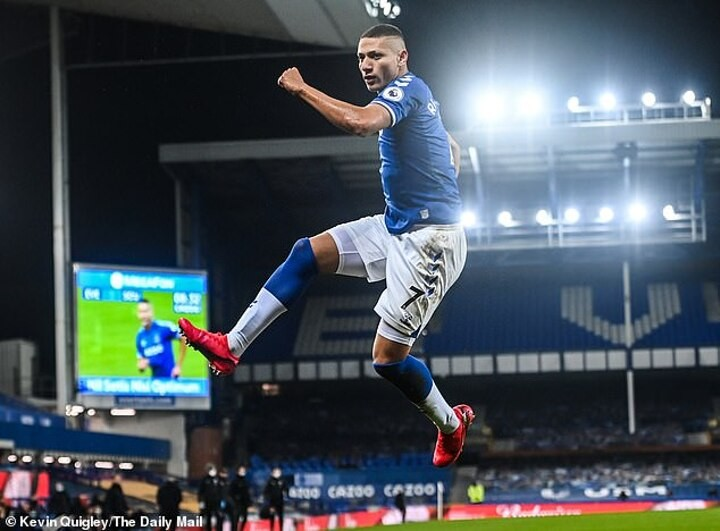 Carlo Ancelotti tips Richarlison to become one ofthe TOP strikers in Europe