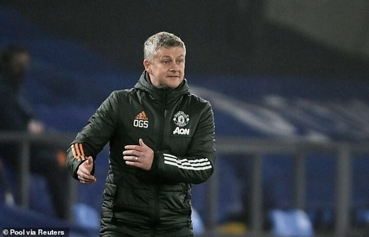 Solskjaer is 'worried about United's loss of form but insists 'the boys are giving everything'