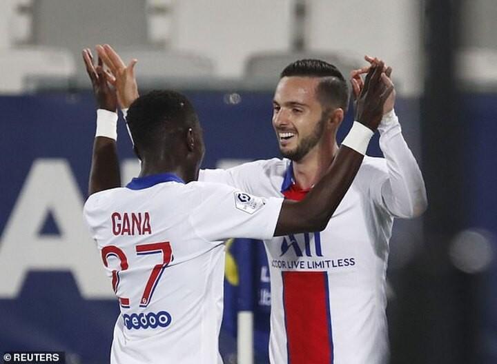 Bordeaux 0-1 PSG: Midfielder Pablo Sarabia grabs winner to keep pressure on Ligue 1 leadersLille
