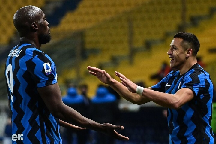 Parma 1-2 Inter: Alexi Sanchez double boosts Inter title hopes