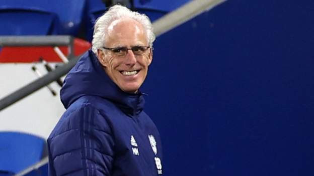 Manager McCarthy signs new Cardiff deal