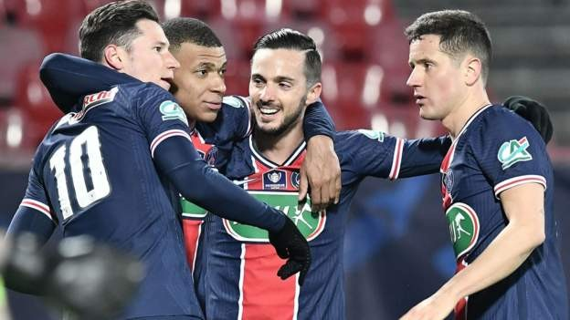 Mbappe stars as PSG reach French Cup last 16