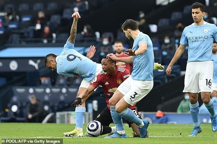 Roy Keane savages STUPIDITY of Gabriel Jesus for giving away penalty against Man United