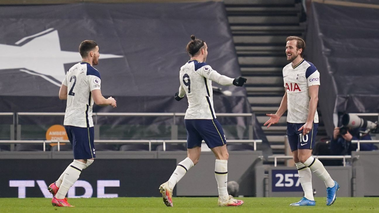 Bale, Kane braces as Tottenham thrash Palace