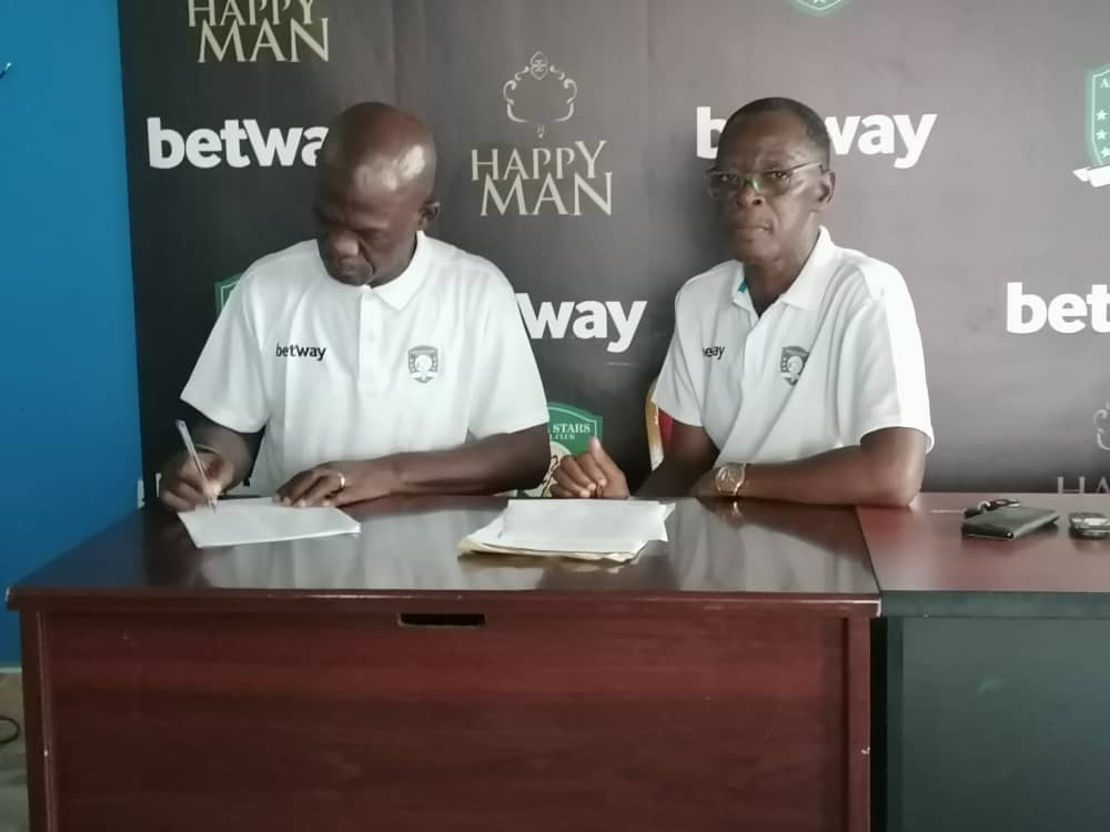 OFFICIAL: Aduana Stars appoint Asare Bediako as new head coach, replaces Paa Kwesi Fabin