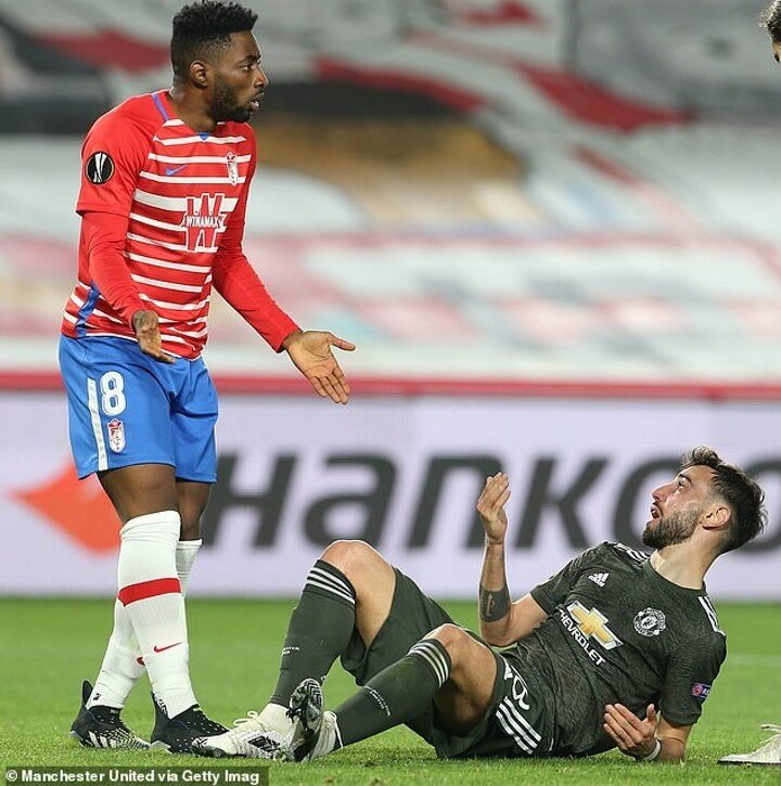 Paul Scholes says Man United were 'lucky' to be awarded penalty against Granada
