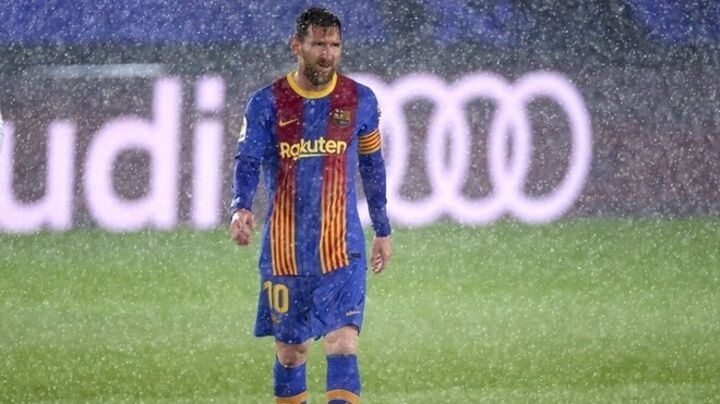 Clasico disappointment further fuels doubts over Messi future