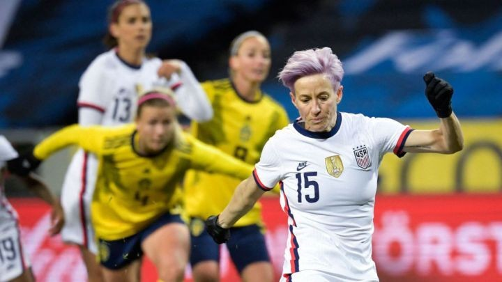 """""""I am not asking to earn the same salary as Messi"""" - Megan Rapinoe"""