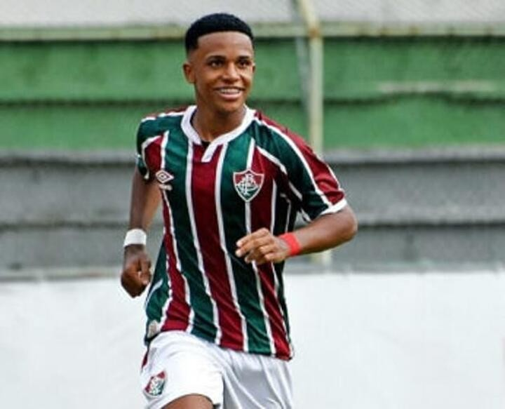 Manchester City 'complete signing of Fluminense starlet Kayky'