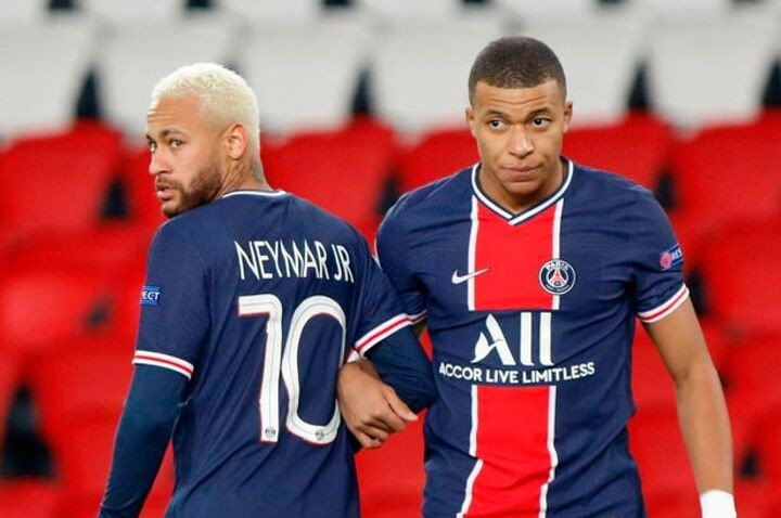 Neymar's comments on Mbappe hint at his summer transfer plans