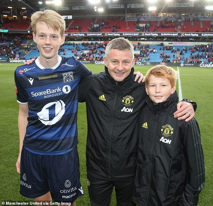 Ole Gunnar Solskjaer's SON throws fire on Man United manager's Mourinho feud