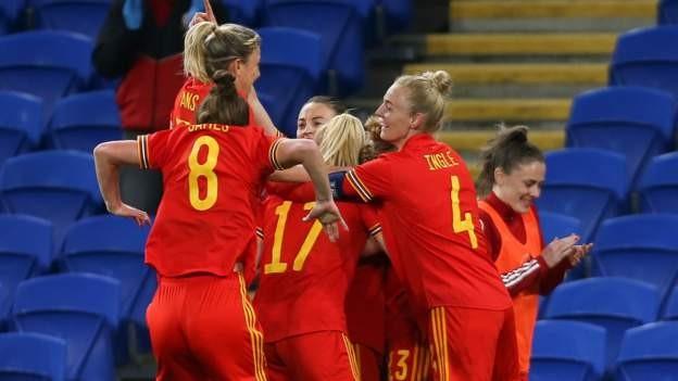 Fishlock rescues Wales against Denmark