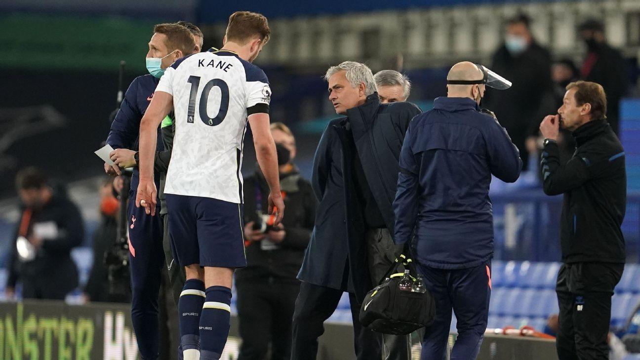 Spurs' Mourinho 'positive' after Kane limps off